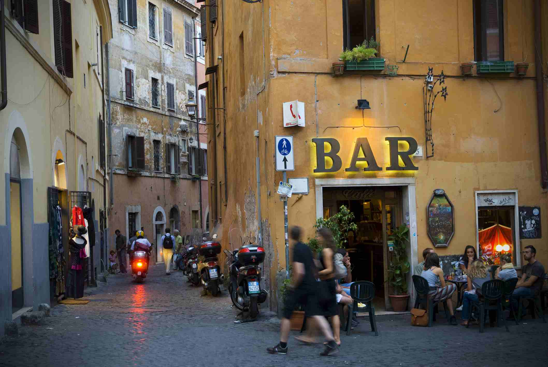 Walking in Trastevere
