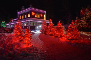Nick's Pizza Emporium lit up with Christmas lights