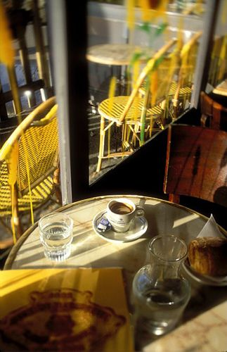 Splashes of yellow at a Paris cafe