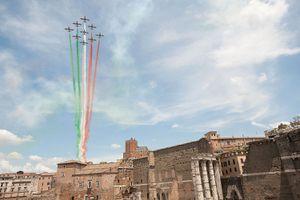 rome tricolore republic day photo
