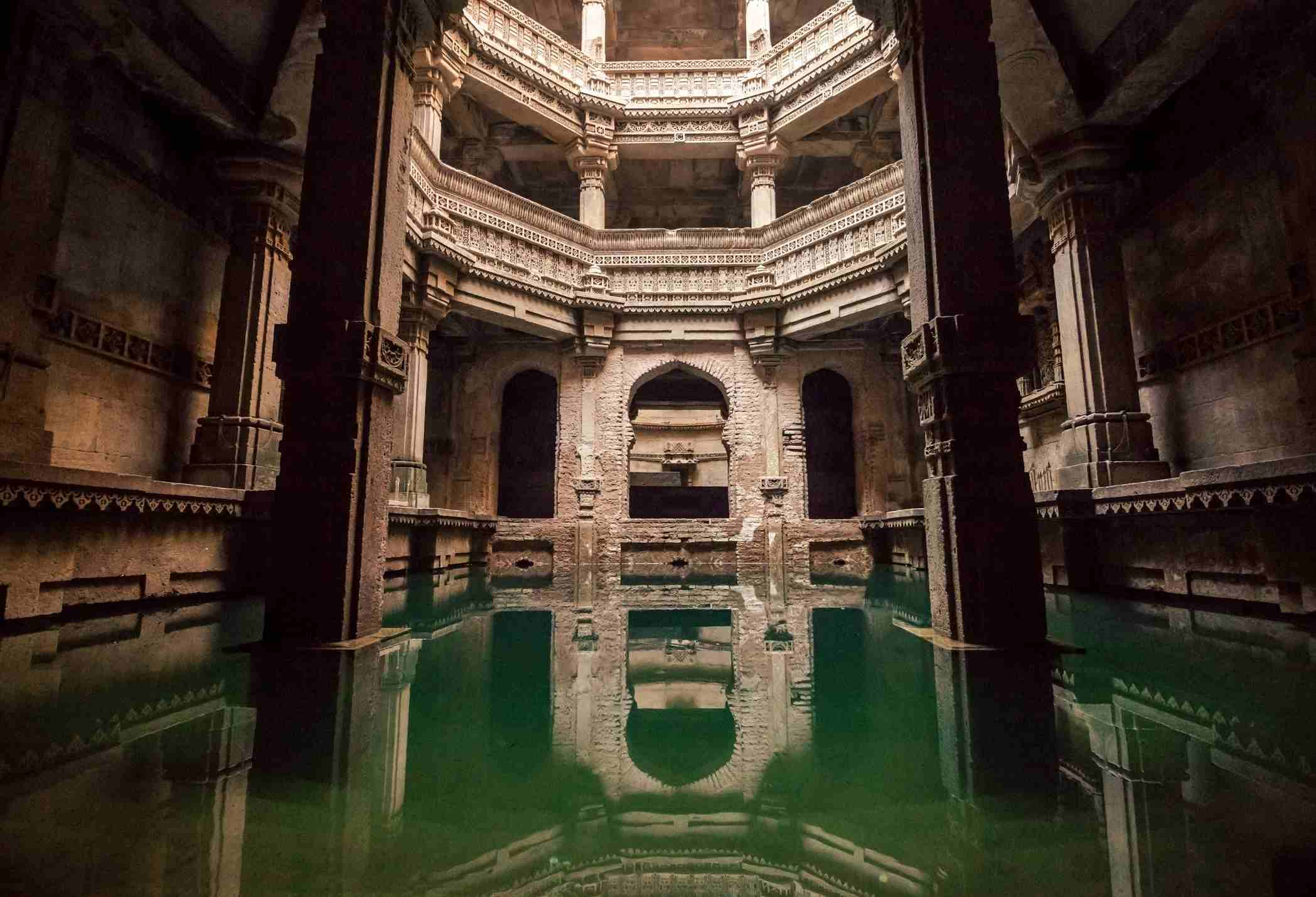 Architectural features of Adalaj Stepwell, Solanki architectural style, located in Ahmedabad.