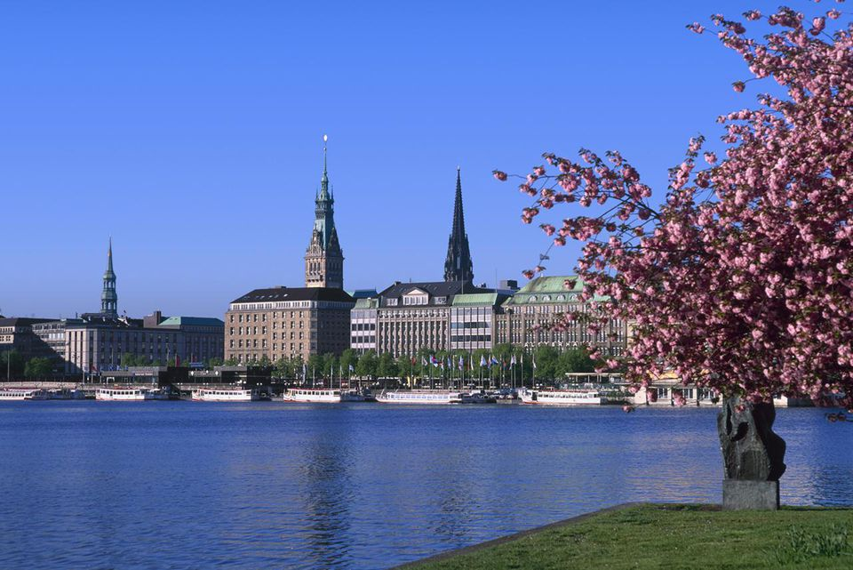 Hamburg and Lake Binnenalster, Germany