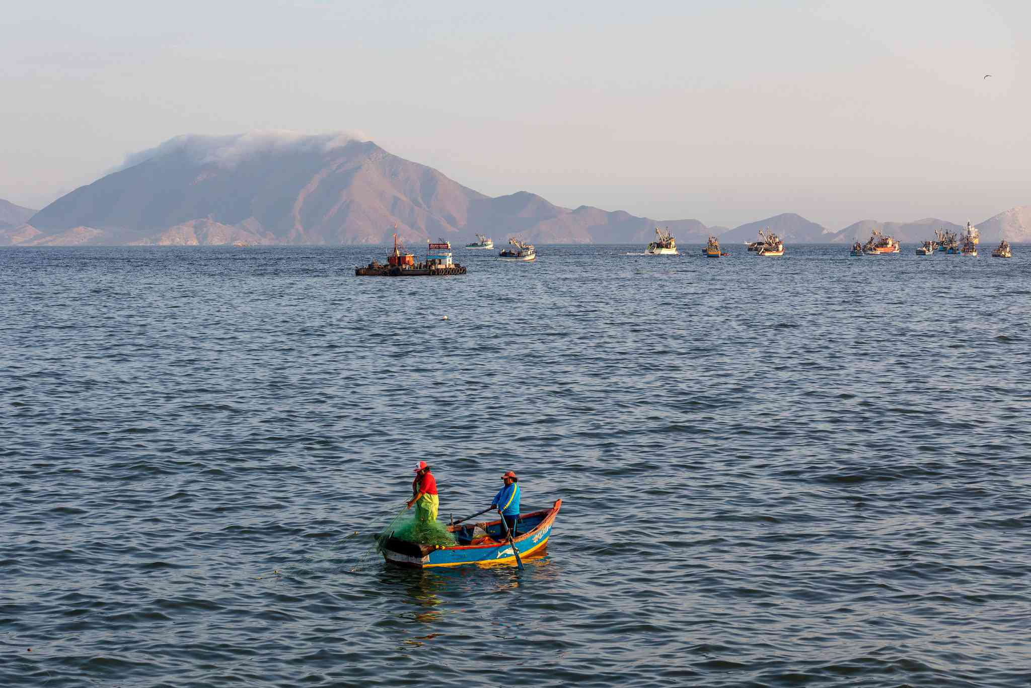 Fishing day in the Chimbote bay