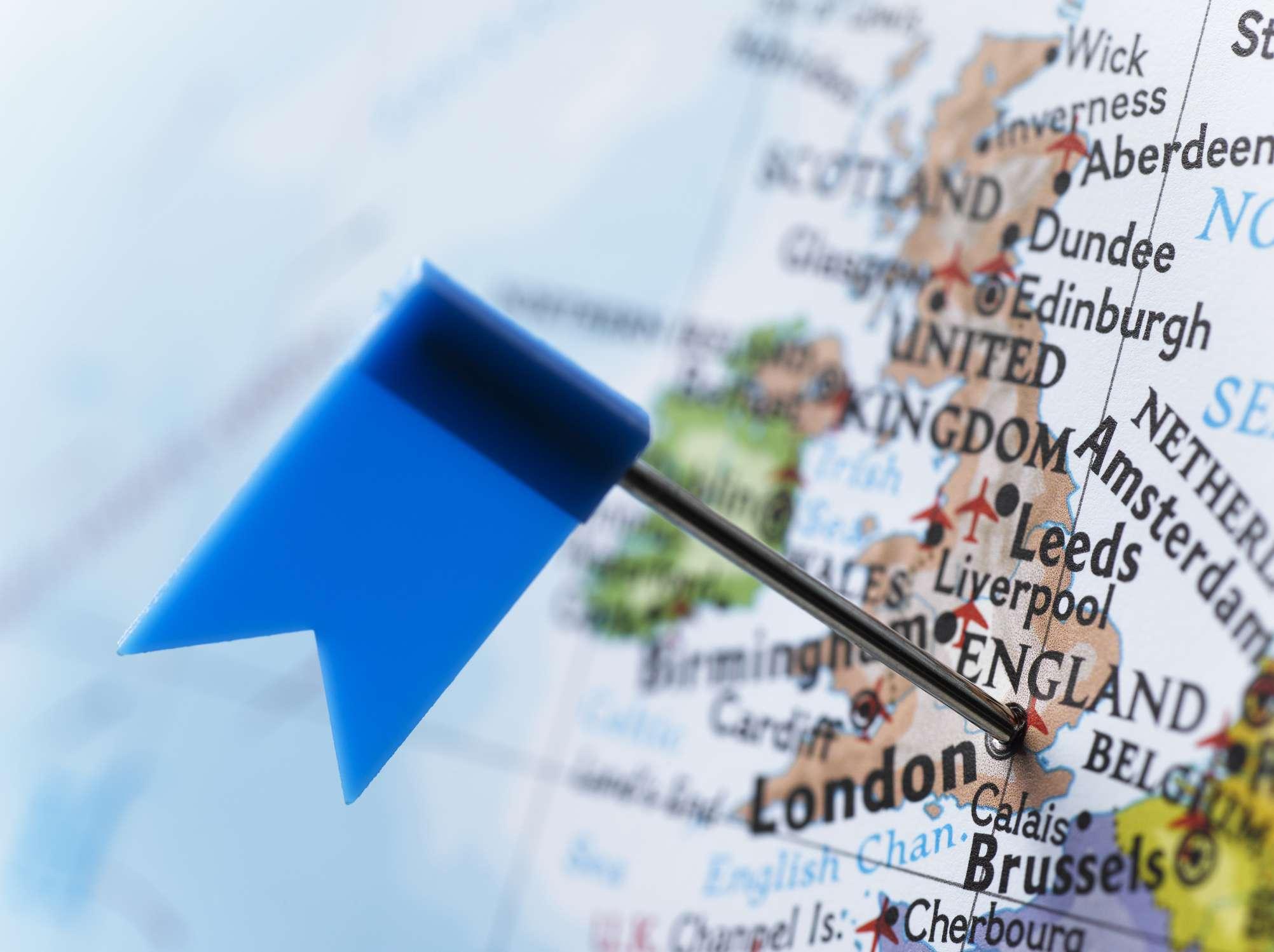pin en un mapa de Gran Bretaña