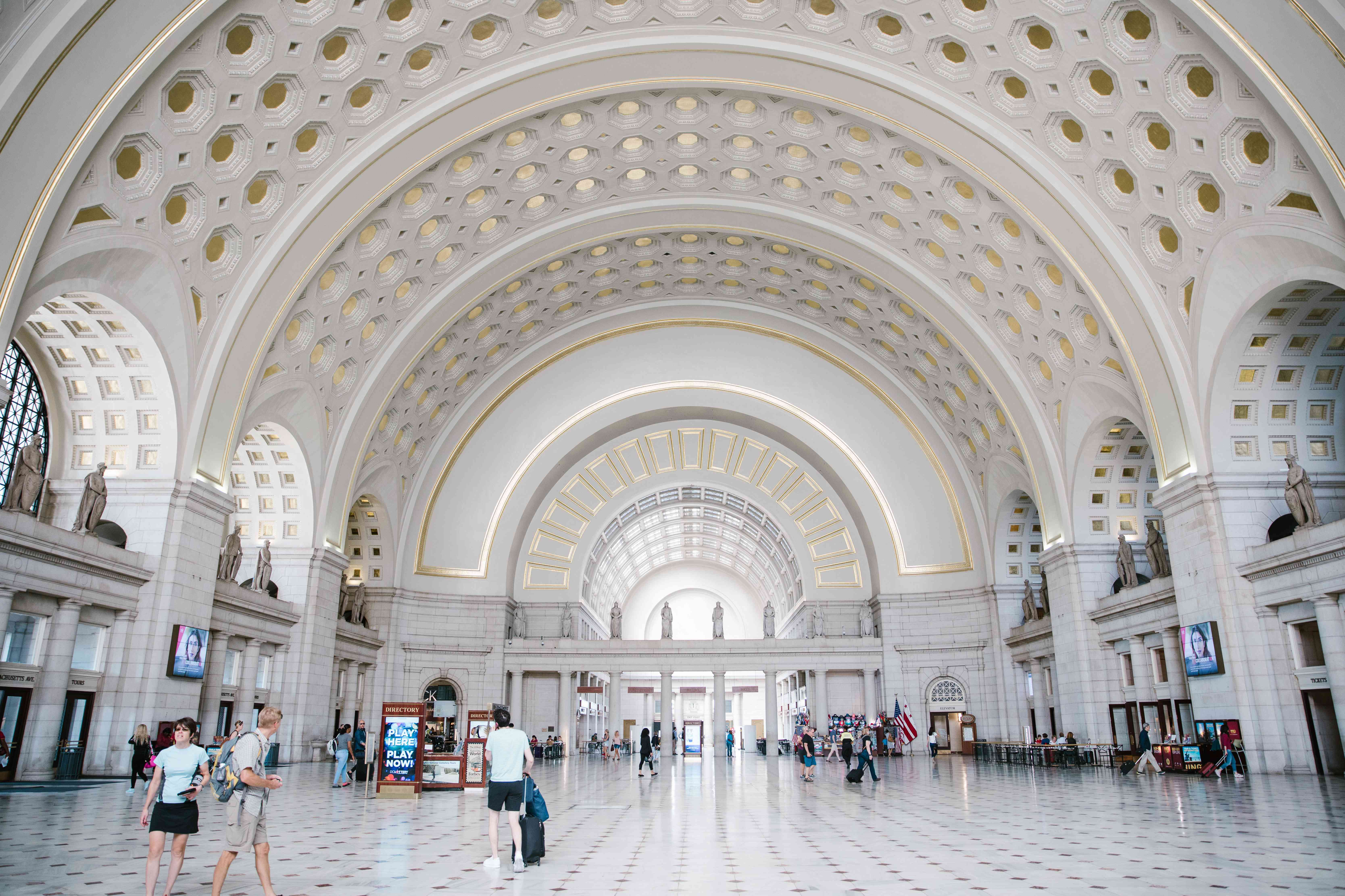 The main arched corridor of Union Station