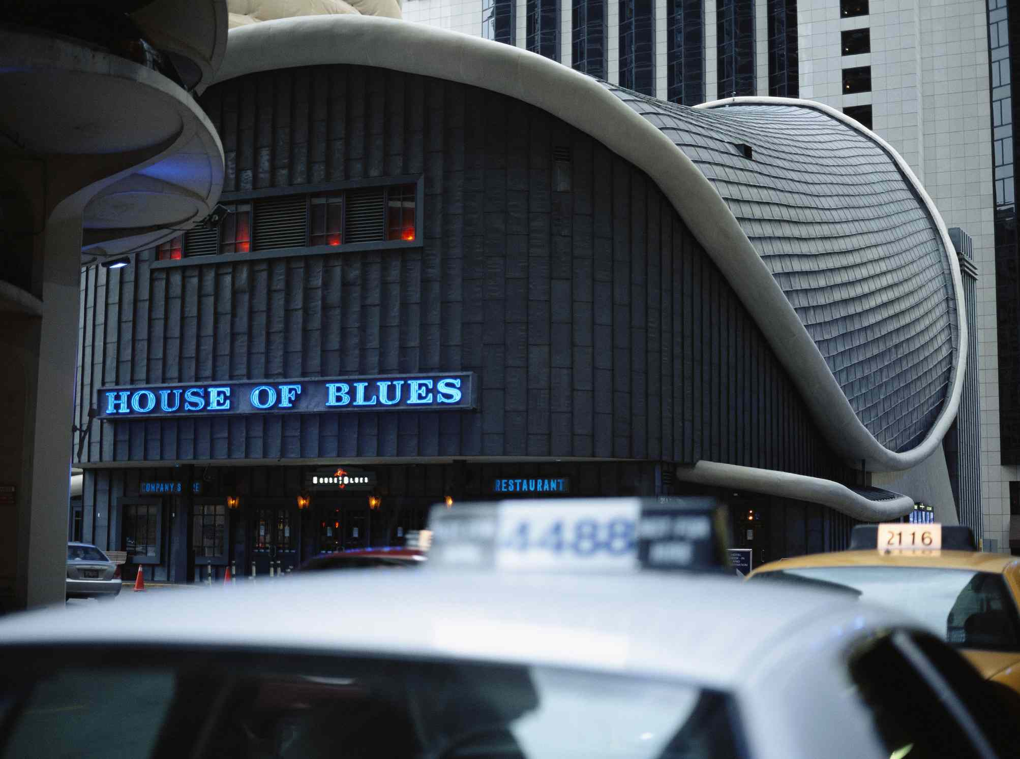 Chicago House of Blues with out of focus cabs in the bottom third of the picture
