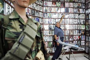 CORRECTION-US-CUBA-BAY OF PIGS-MUSEUM