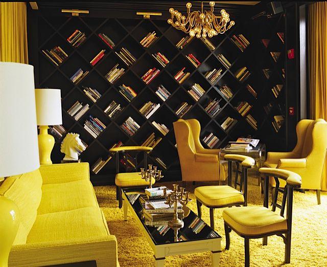 Biblioteca y salón del lobby en el hotel Viceroy Santa Monica en LA>