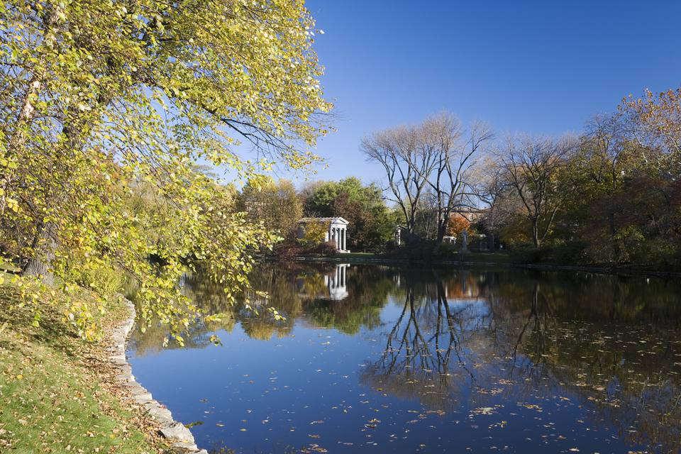 Picturesque Graceland Cemetery