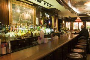 Bar in Old Ebbitt Grill.