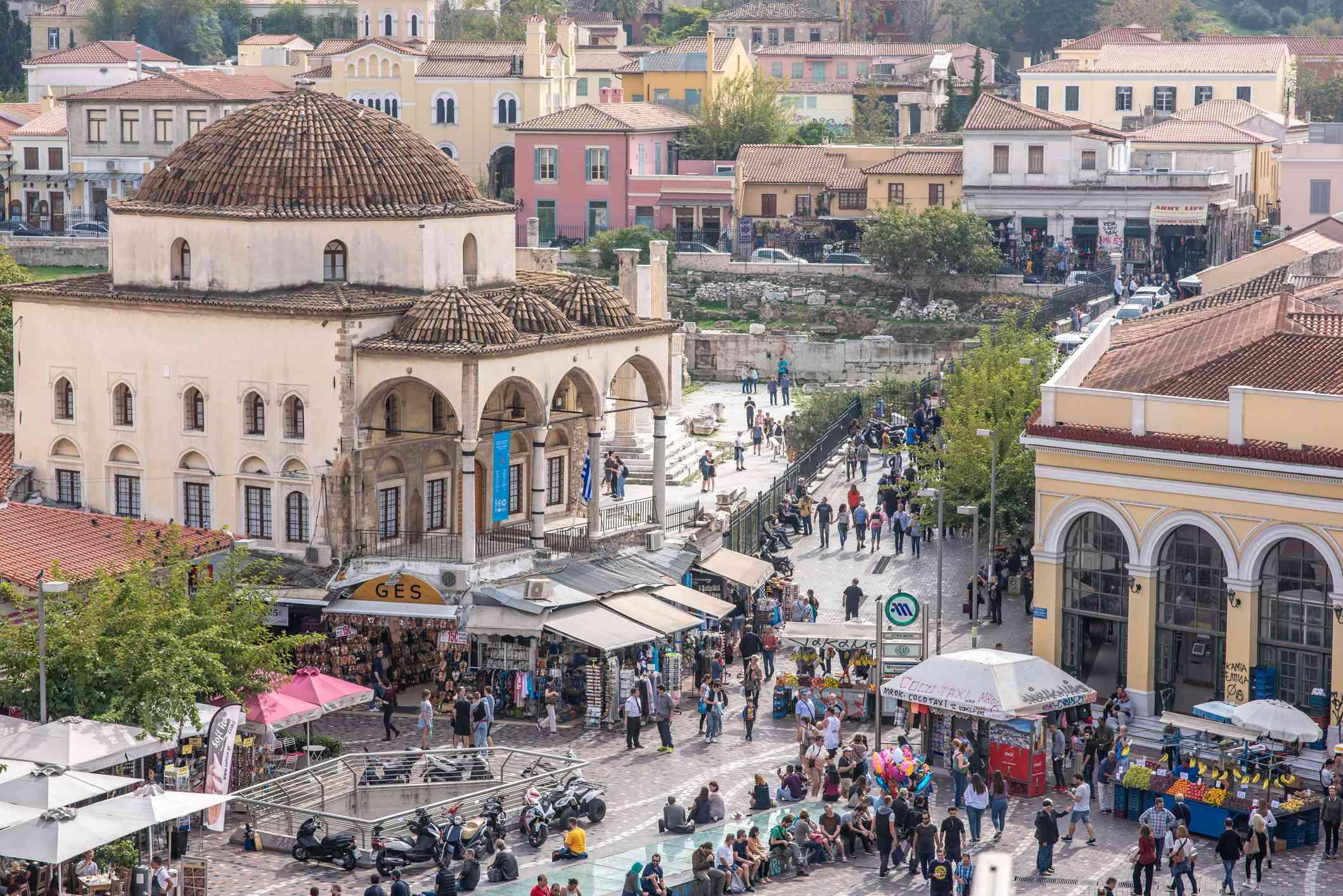 Vista aérea de la Plaza Monastiraki en Atenas, Grecia