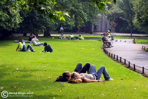 Relaxing in Dublin's parks ... a good option on a sunny day!