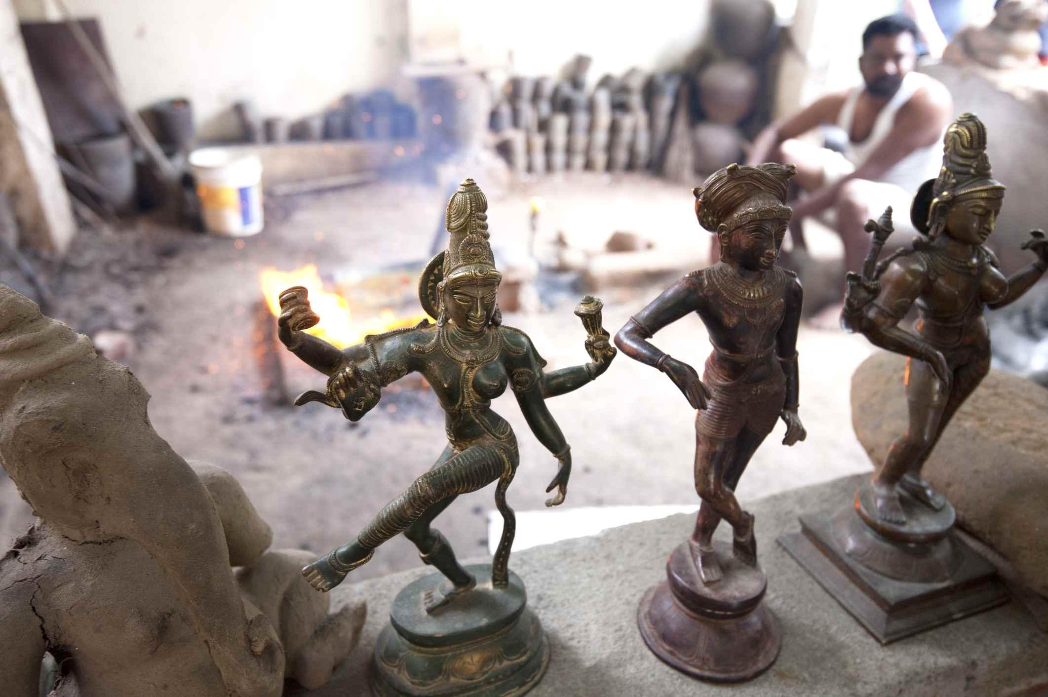Chola-style lost wax bronze casting workshop, Thanjavur