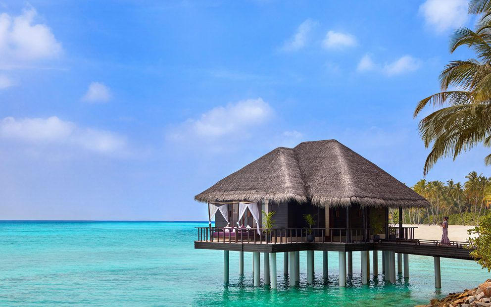 One&Only Reethi Rah overwater treatment room
