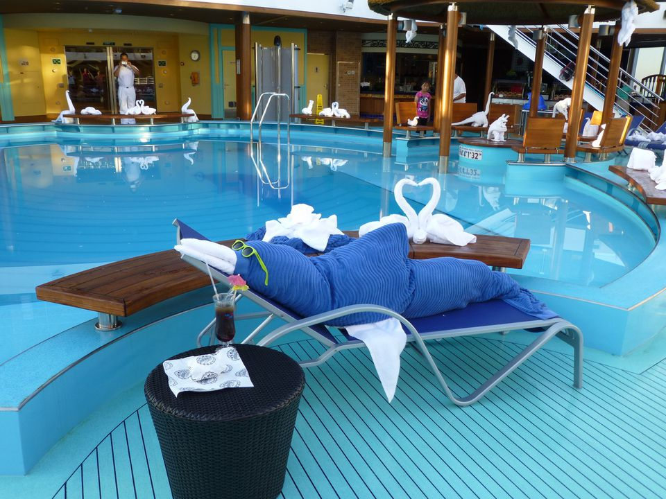 Towel animals by the pool on the Carnival Breeze cruise ship