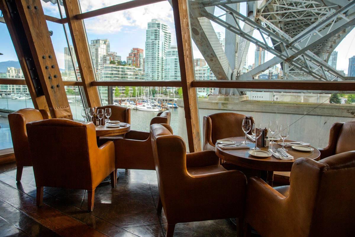 Cena frente al mar en Vancouver en el restaurante Sandbar
