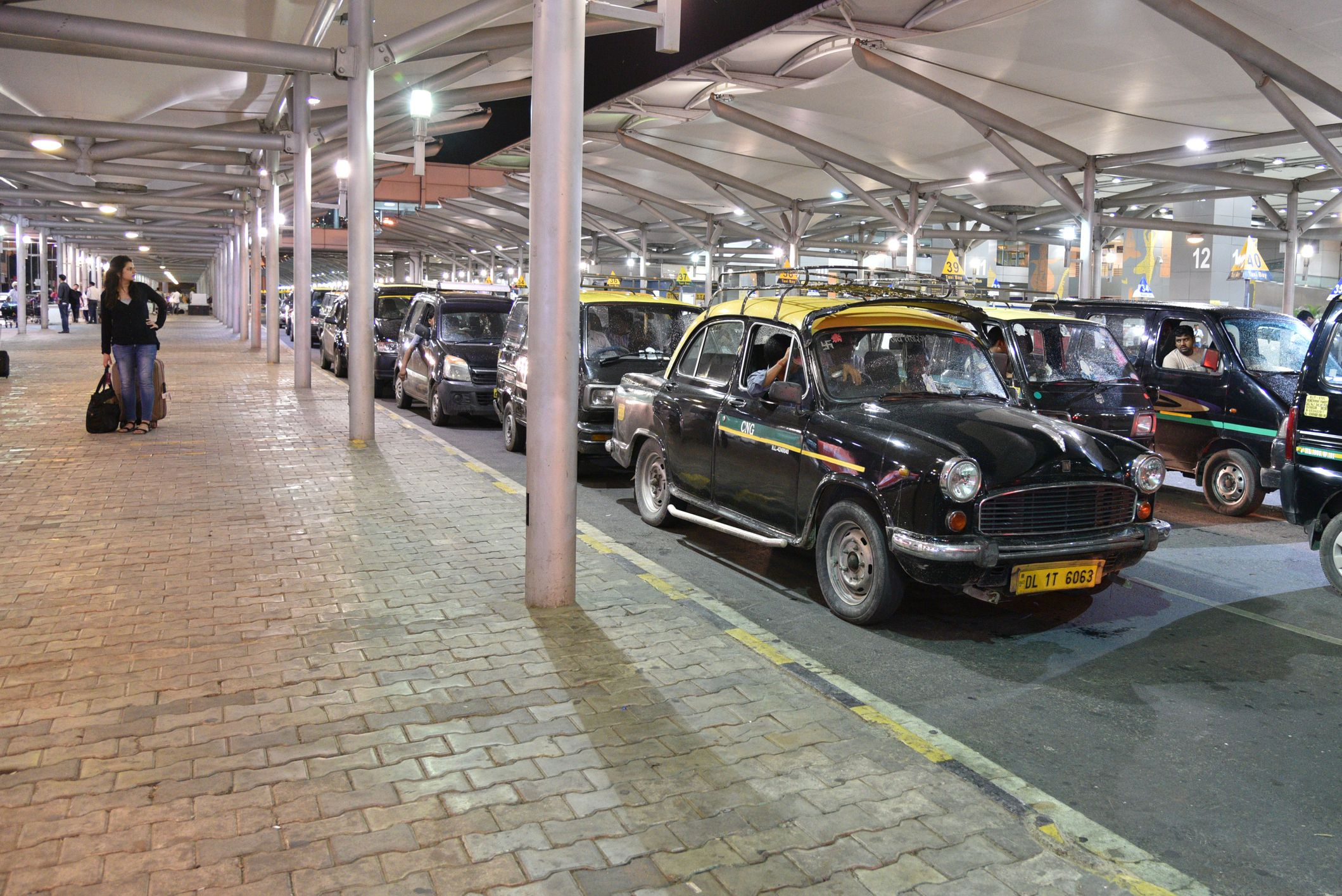 Delhi Airport Transfers From The To Your Hotel Gallery For Car Sound System Diagram Chateau Pinterest