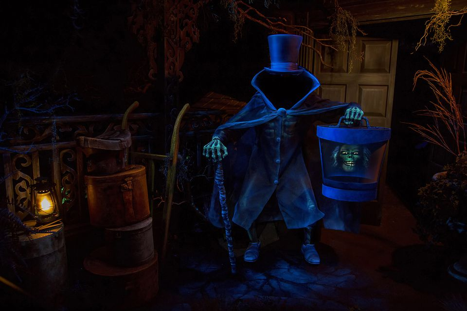 The Hatbox Ghost loses his head at the Disneyland version of the Haunted Mansion.