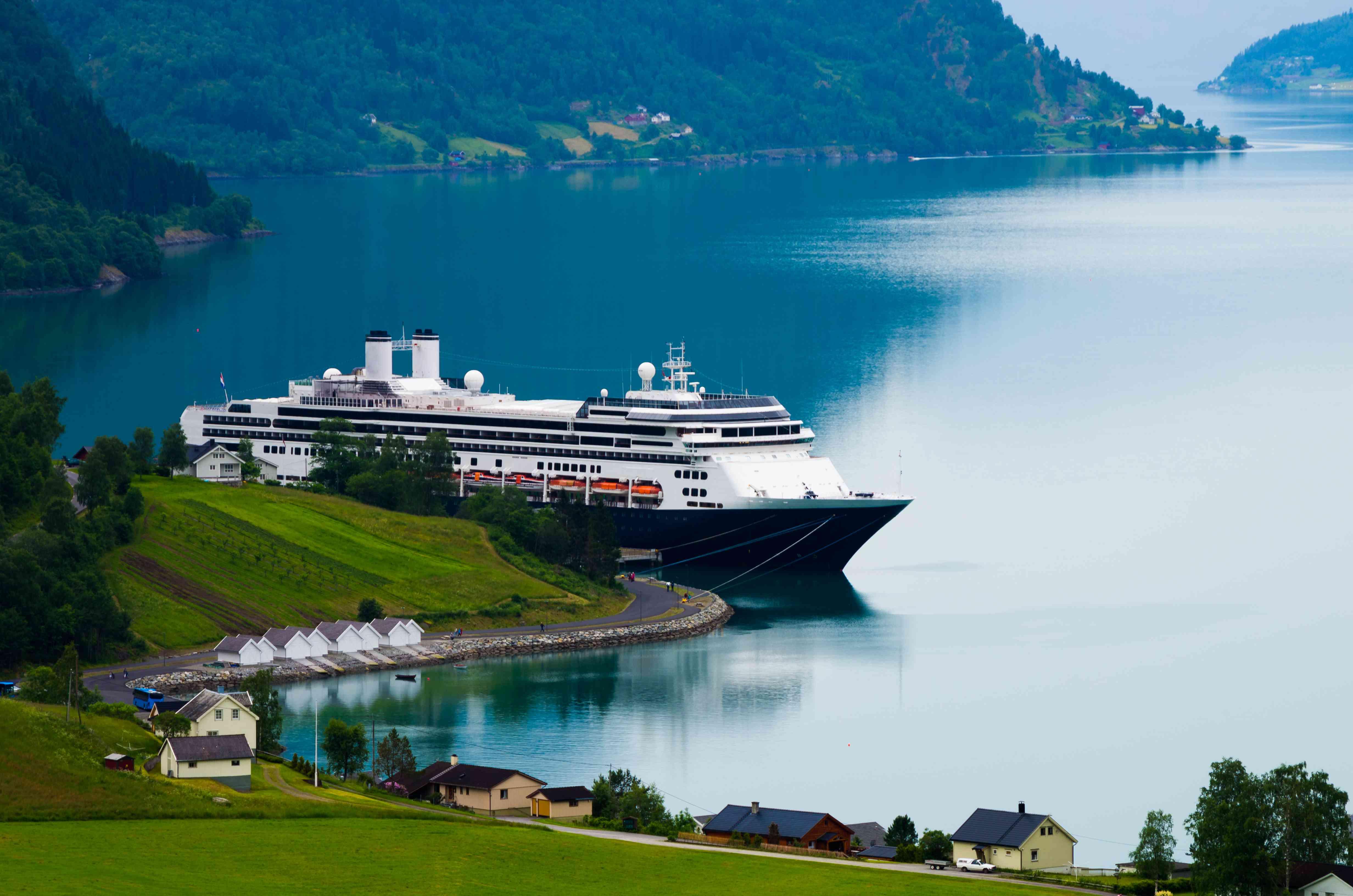 An ocean cruise