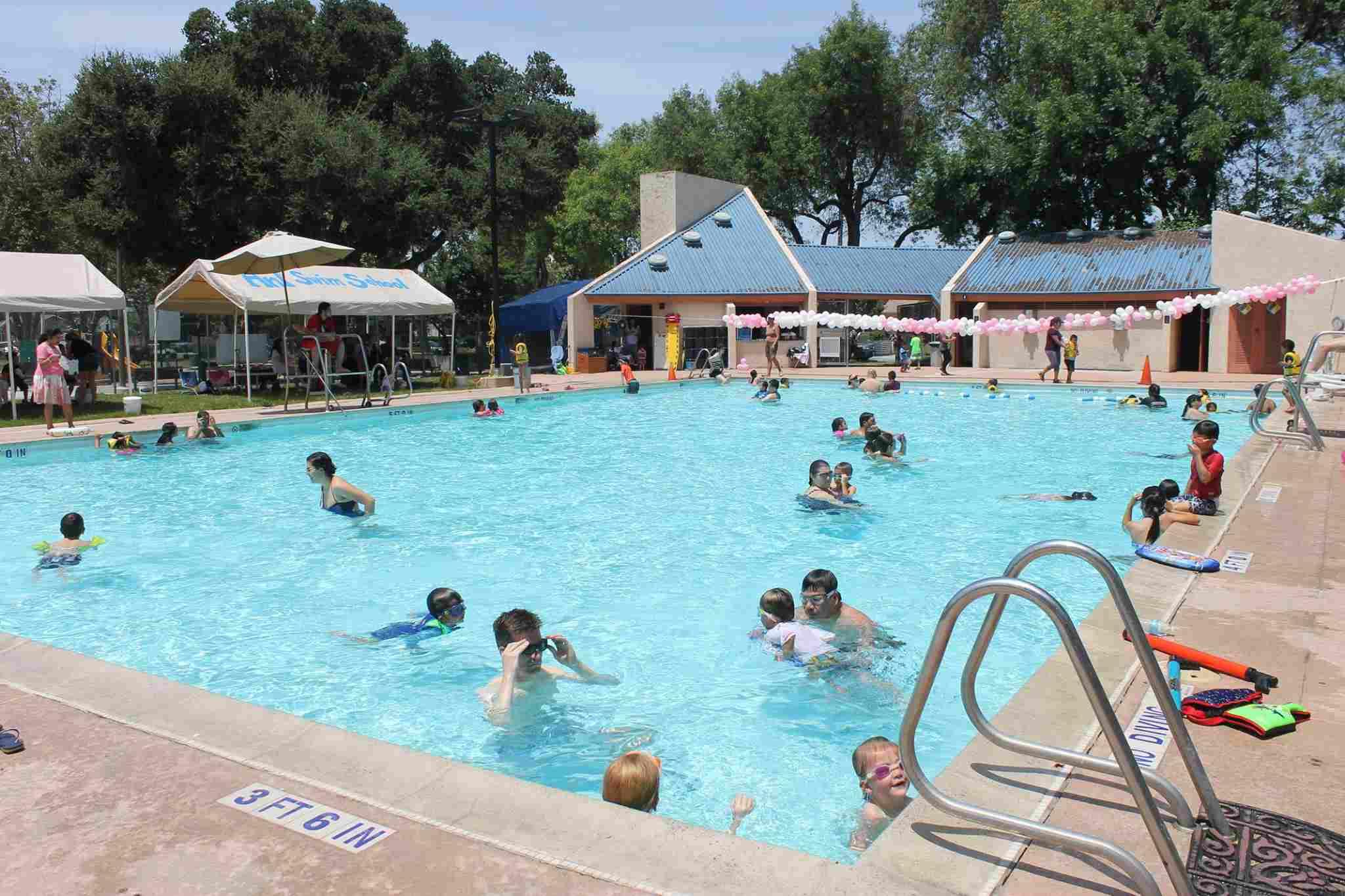 Public outdoor swimming pool san francisco outdoor designs for Public swimming pools oakland ca
