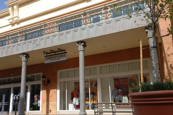 Shopping in Las Vegas - Town Square on the Strip 42220a3268ed