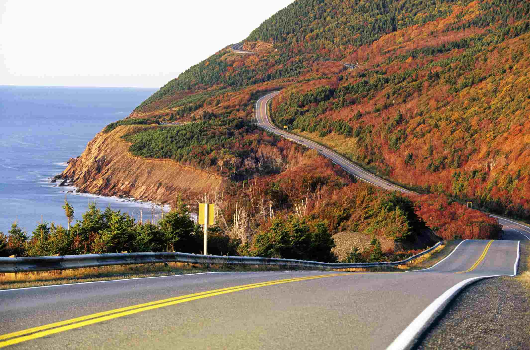 Coastal highway, French Mountain, Cabot Trail, Cape Breton Highlands National Park, Nova Scotia, Canada.