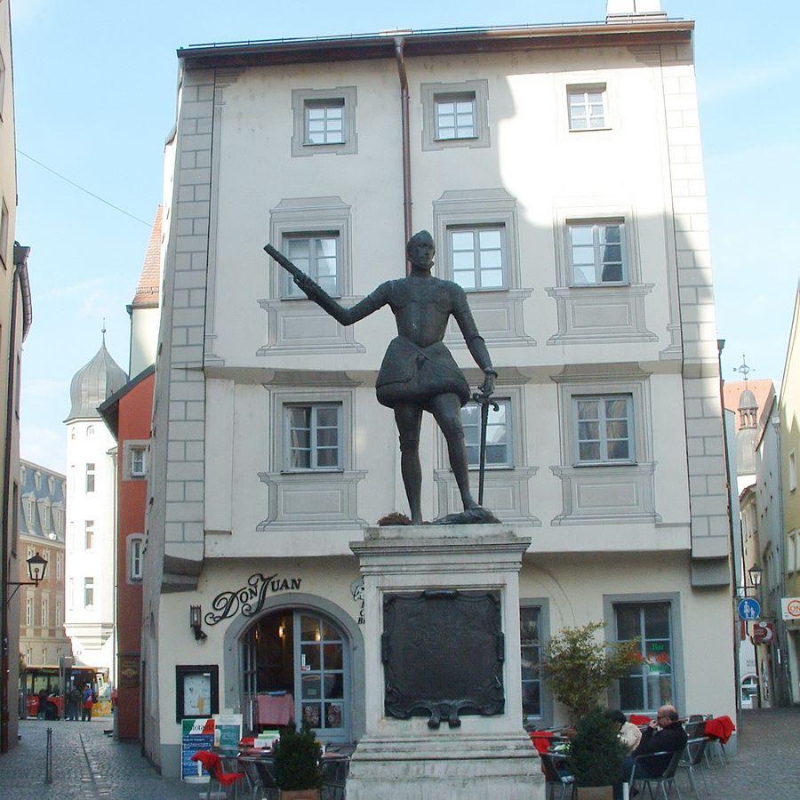 Regensburg Don Juan Statue