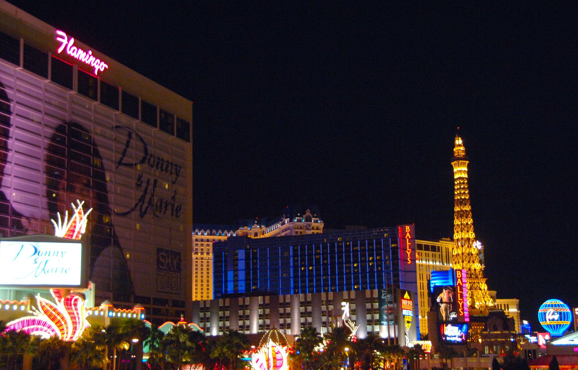 Right Choice Auto >> Flamingo Las Vegas Hotel and Casino Right on the Strip