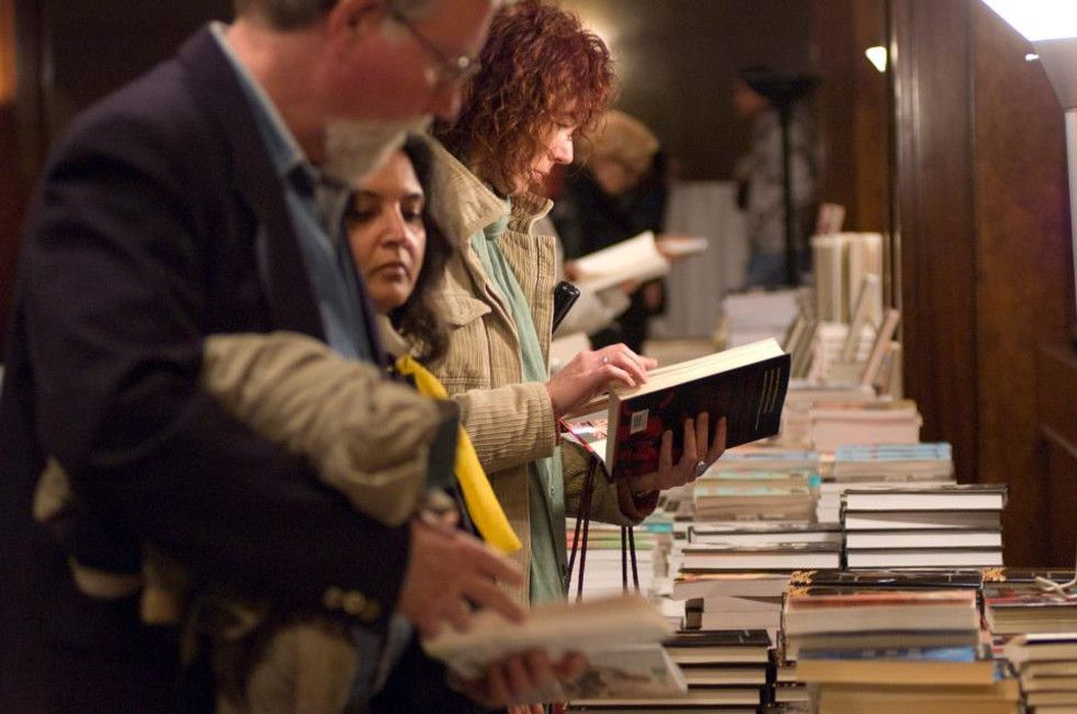 People Shopping for books at the Blue Metropolis Literary Festival