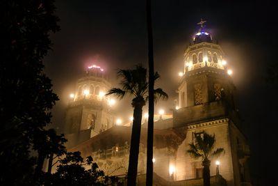 Explore The Hearst Castle On A Twilight Tour