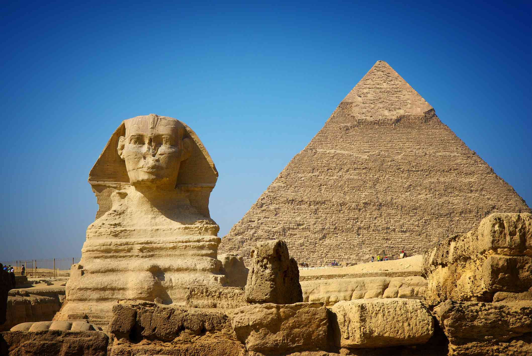 Pyramid of Khafre with Great Sphinx, Giza