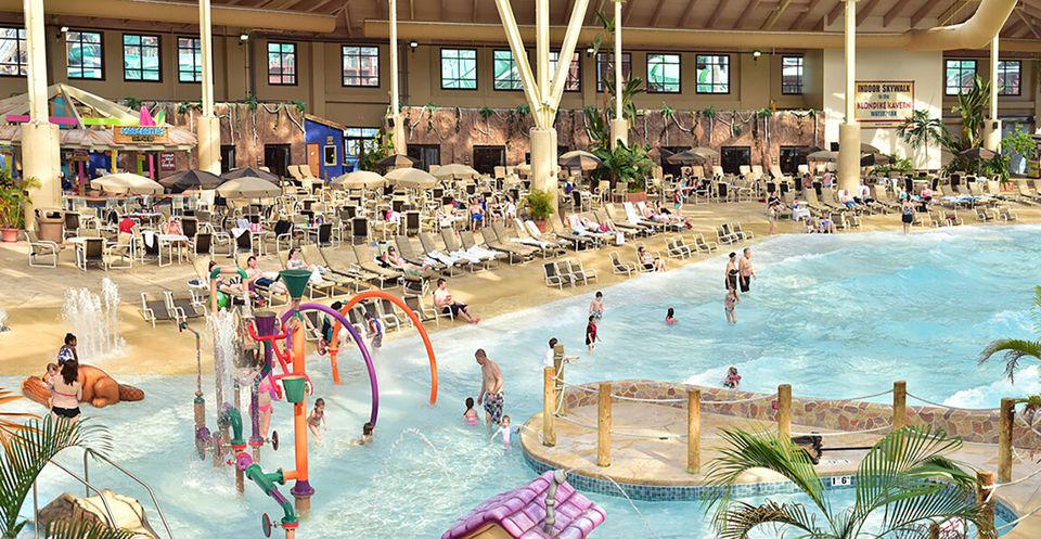Wisconsin Dells Golf Wisconsin Dells Resort: Enormous Indoor Water Park