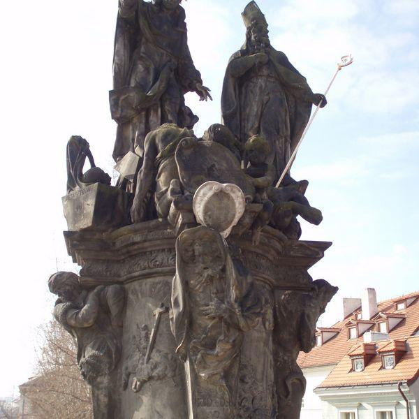 Santos Vicente Ferrer y Procopio en el Puente de Carlos Praga