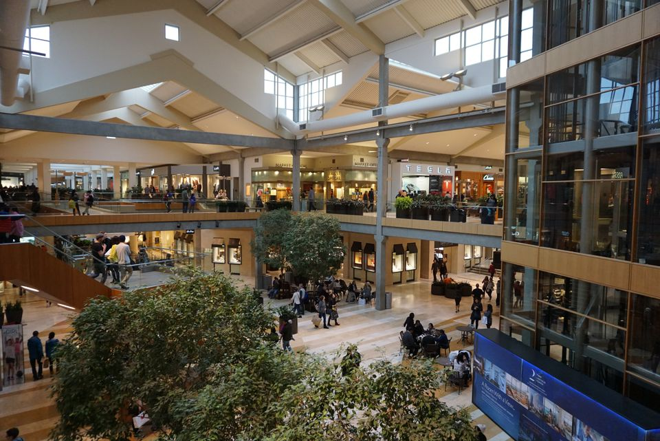 Bellevue Square Mall >> The Best Way To Go Christmas Shopping In Bellevue Including For
