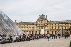 A crowd outside of the Louvre