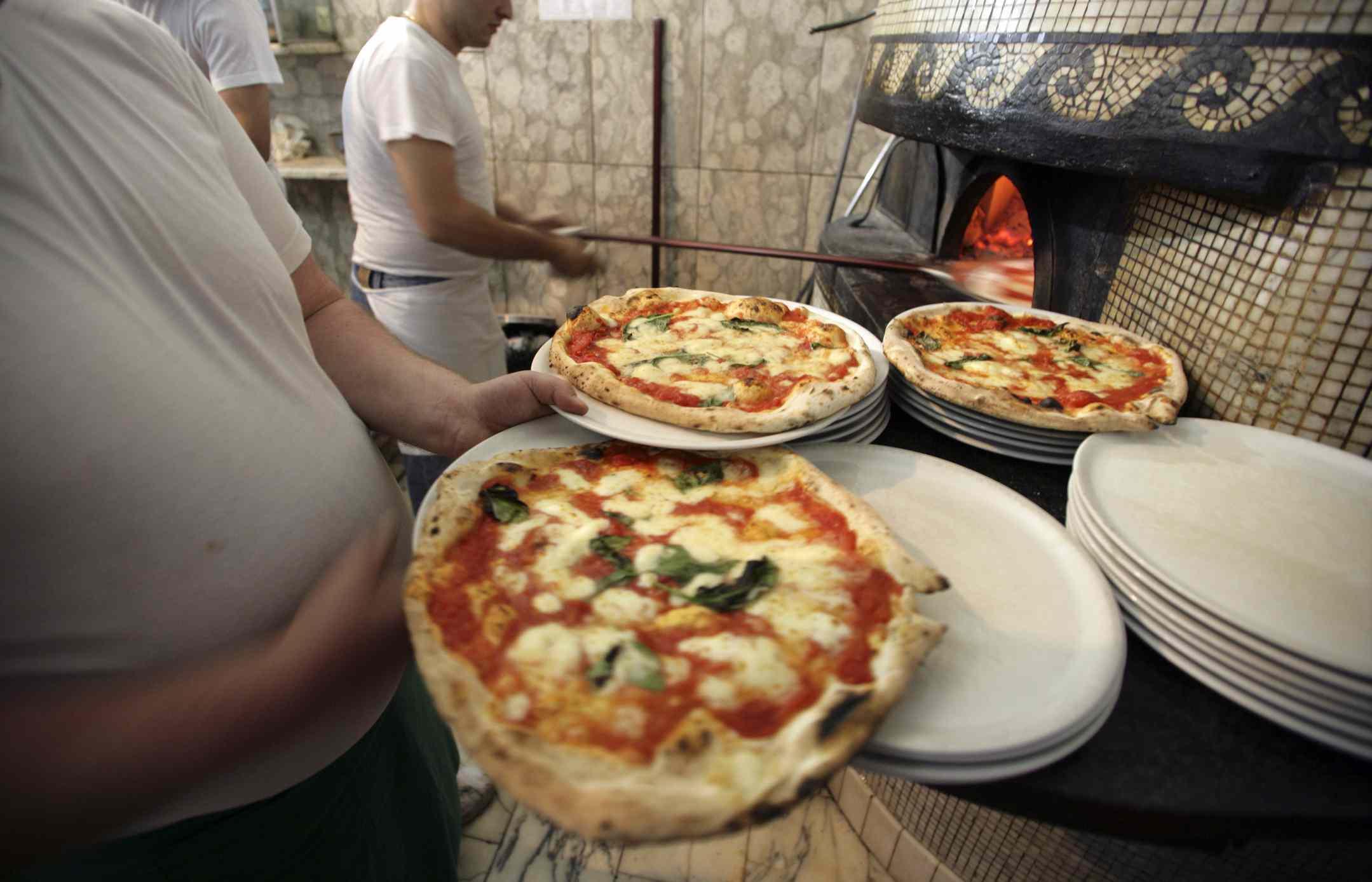 Pizzamakers in Naples