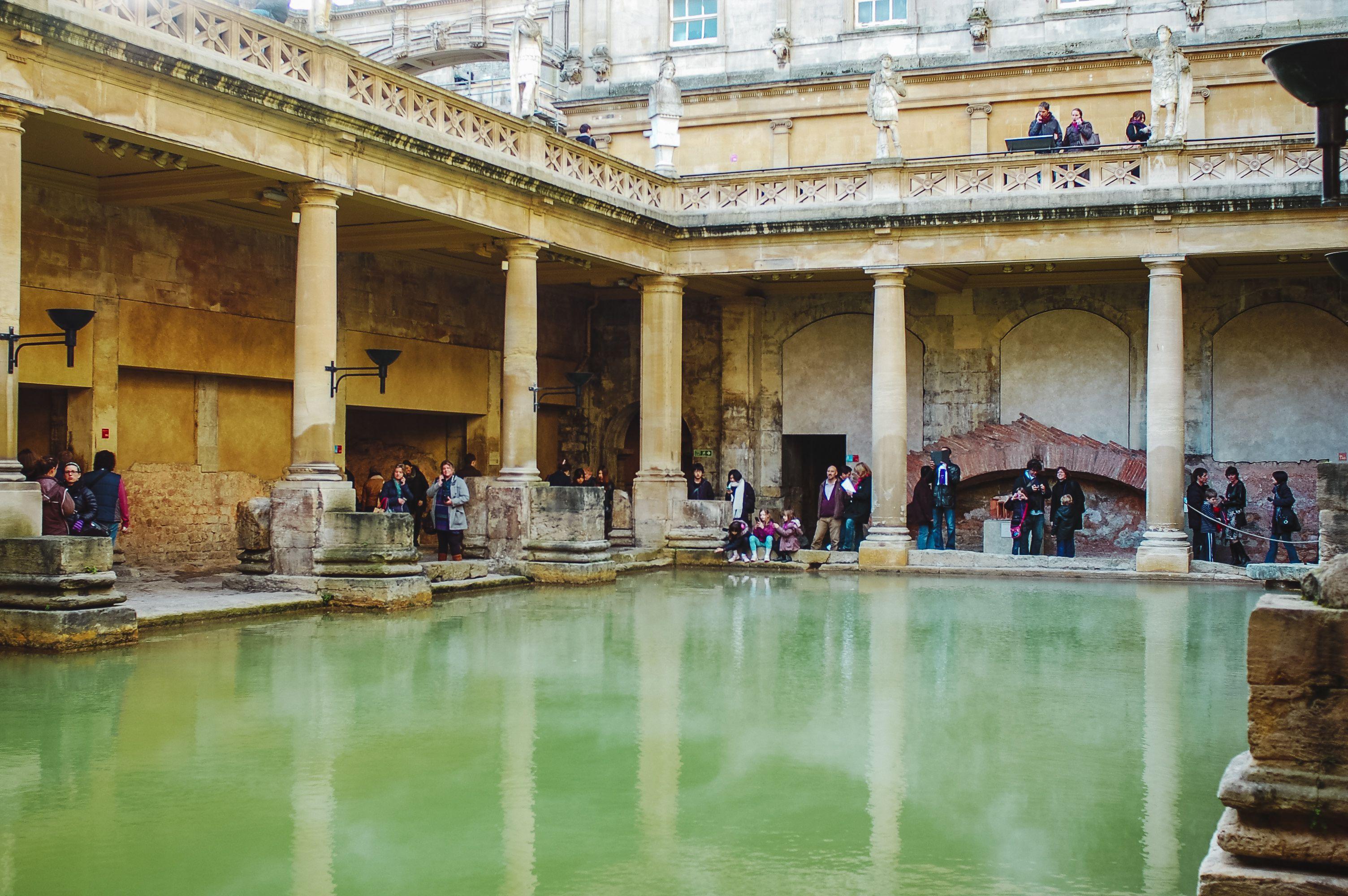 Resultado de imagem para roman baths