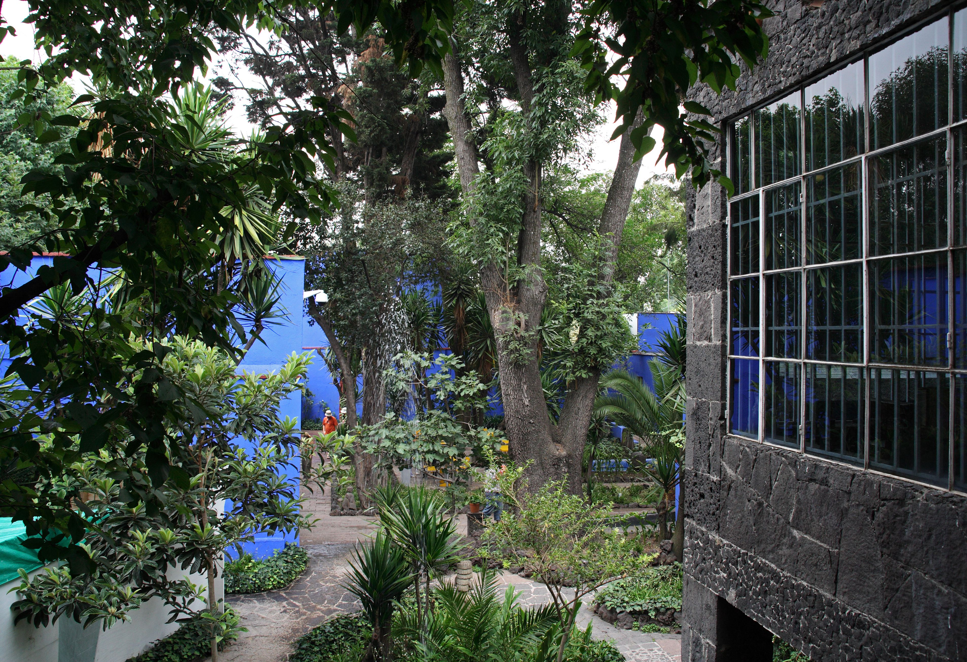 Mexico, Mexico City, Coyoacán. The Museo Frida Kahlo, a gallery of artwork by the Mexican painter Frida Kahlo in the house where she was born and spent most of her life.