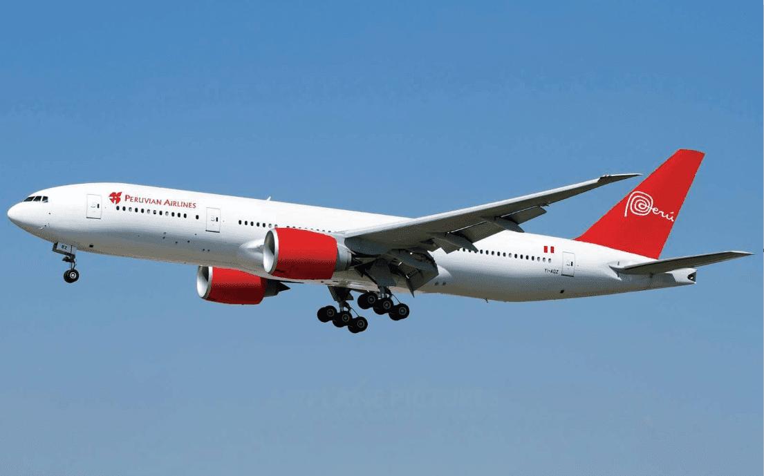 Boeing 777-200 Aterrizando en el Aeropuerto de Lima, Peru