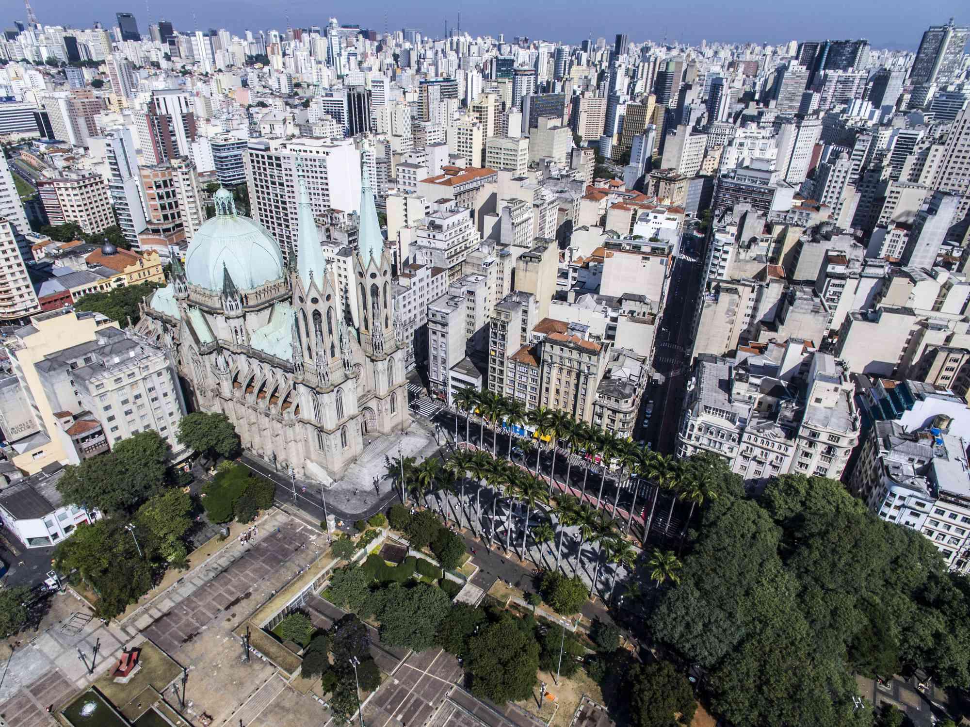Catedral da Sé e cidade de São Paulo