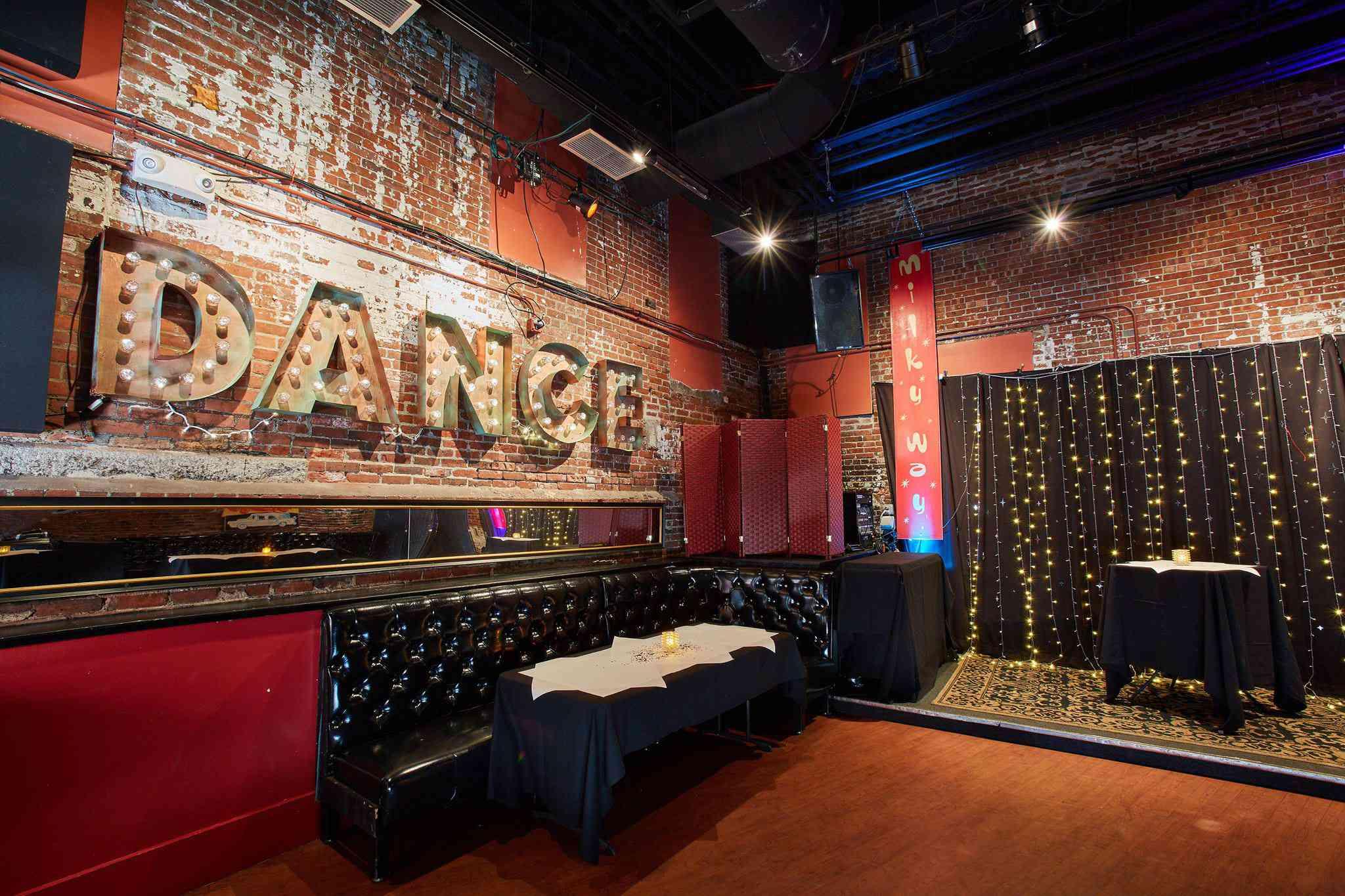 Bella Luna & The Milky Way Lounge
