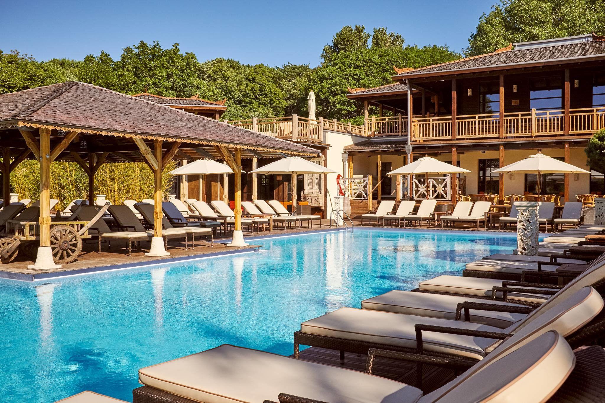 Pool and lounge chairs at Vabali Spa
