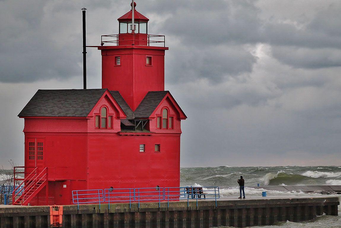 Holland Area Visitors Bureau, Lighthouse