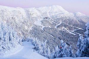 Spruce Peak hiking in winter
