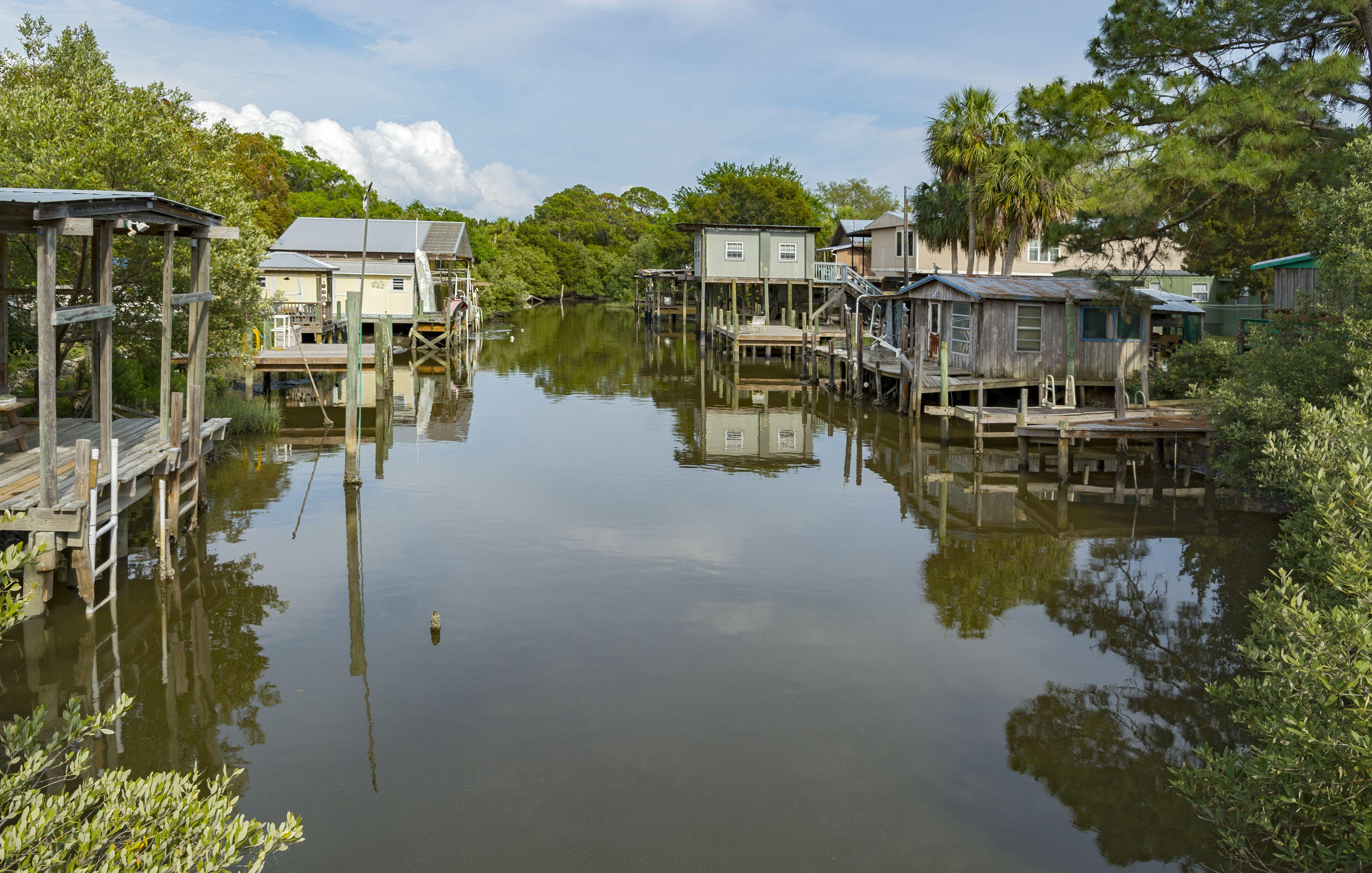 Cedar Key, Florida, private residences on estuary