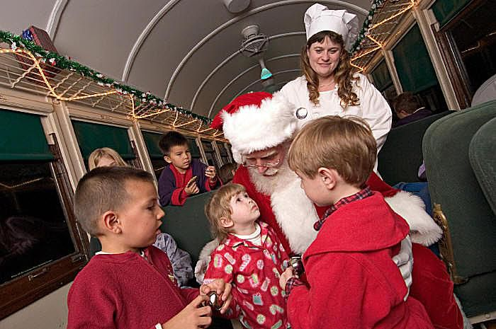 Christmas Train Ride.Train Rides For Holidays Throughout The Year