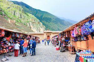 Peru souvenir market