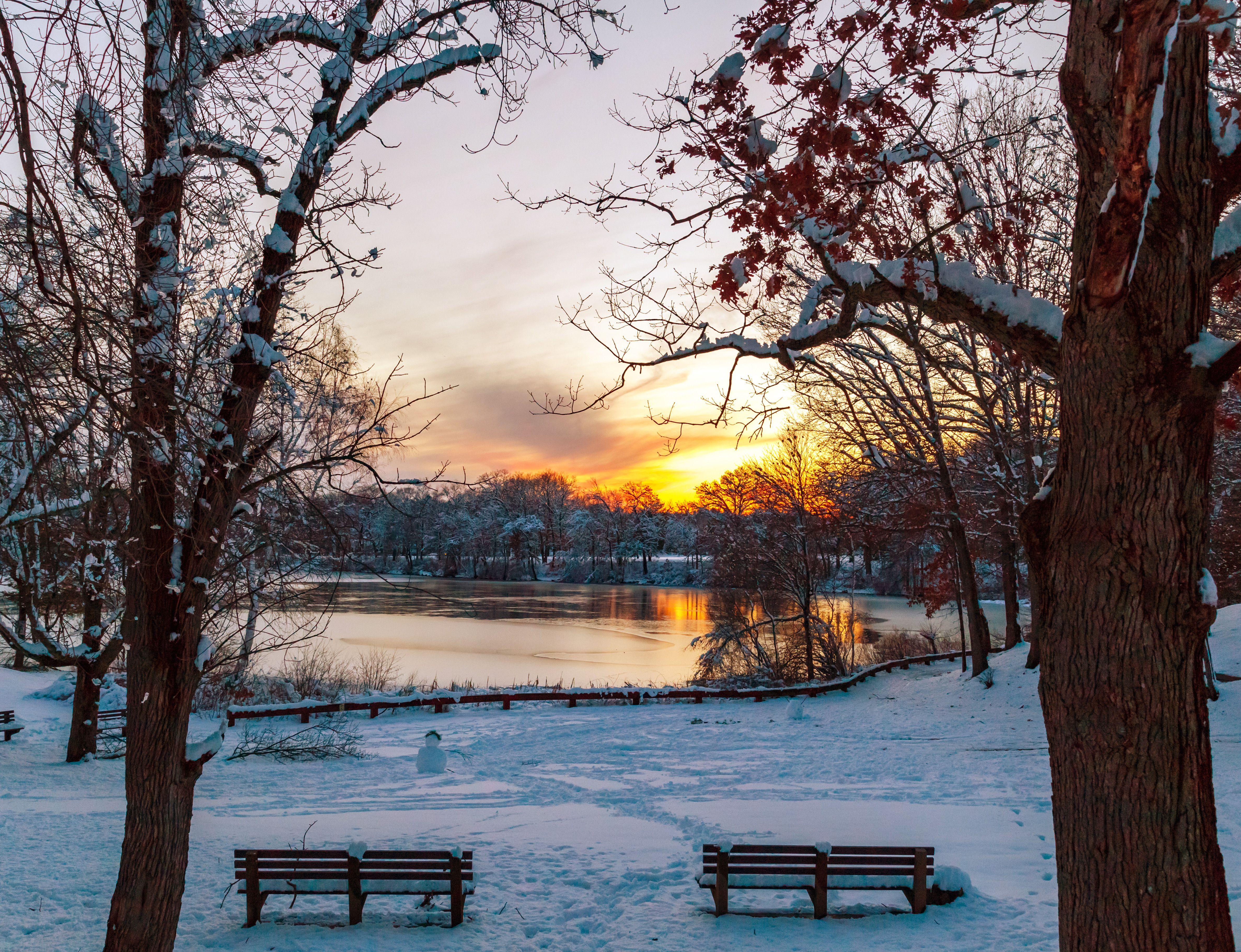 Sonnenuntergang über Houghton Teich auf der Blue Hills Reservation