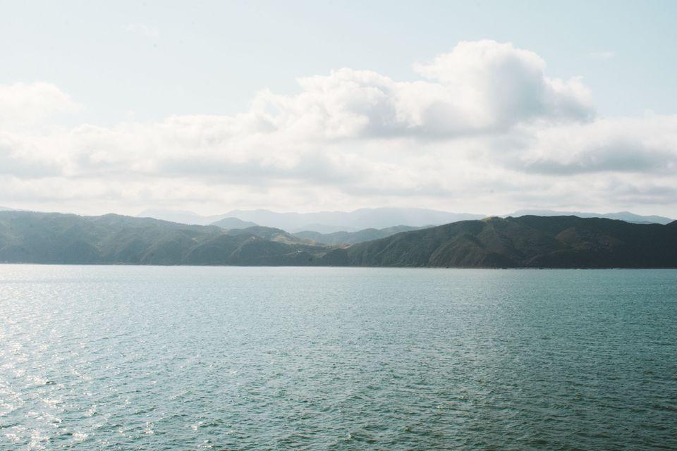 Colinas en la bahía de Marlborough
