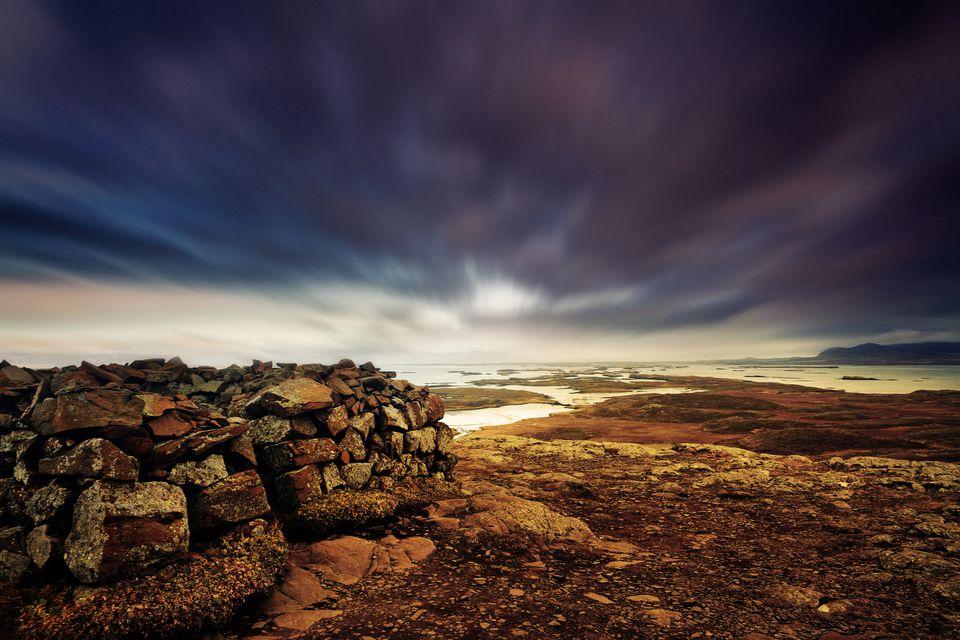 Ruinas de la fortaleza sobre Helgafell, Islandia